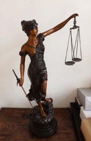 Justitia szobor /76 cm bronz/