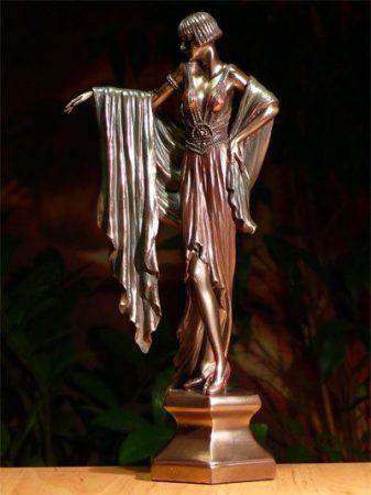 Szecessziós nőalak szobor